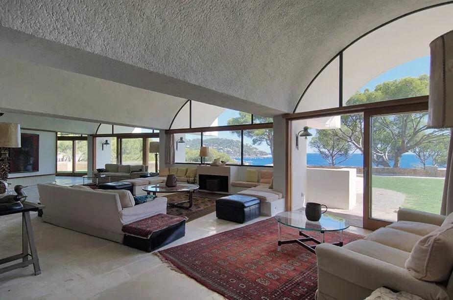 top-5-most-unique-70s-architecture-11